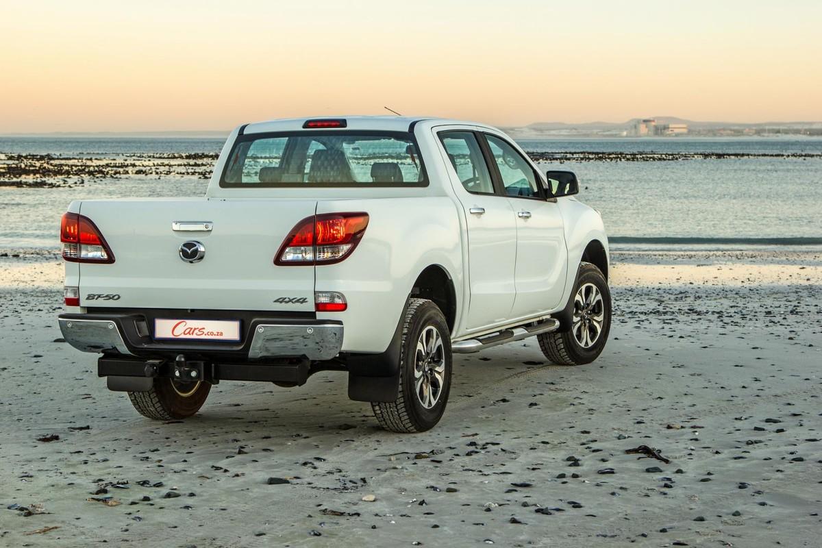 Mazda BT-50 Double Cab 3 2 4x4 SLE Auto (2017) Review - Cars co za