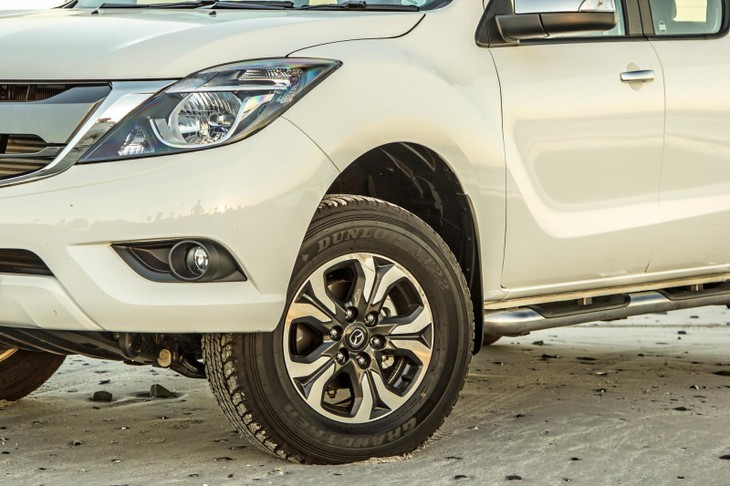Mazda BT-50 Double Cab 3 2 4x4 SLE Auto (2017) Review - Cars