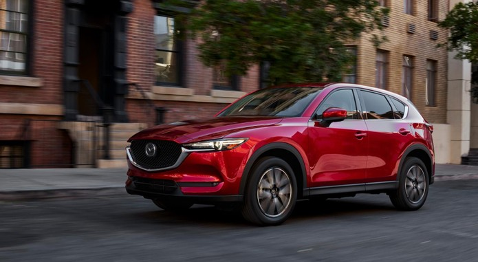 CX 5 1 15 US Front Motion 046