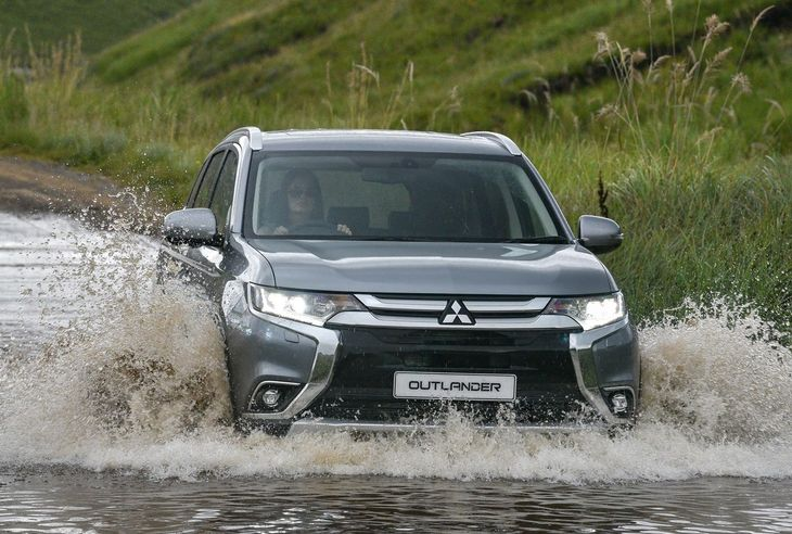 Mitsubishi Outlander 2 4 GLS Exceed 4WD CVT (2017) Review - Cars co za