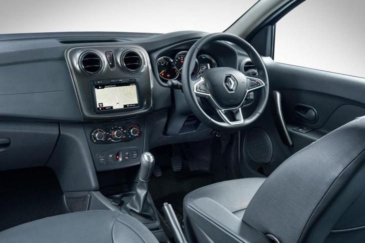 Renault Sandero Stepway 66 kW turbo Dynamique (2017) Review - Cars.co.za