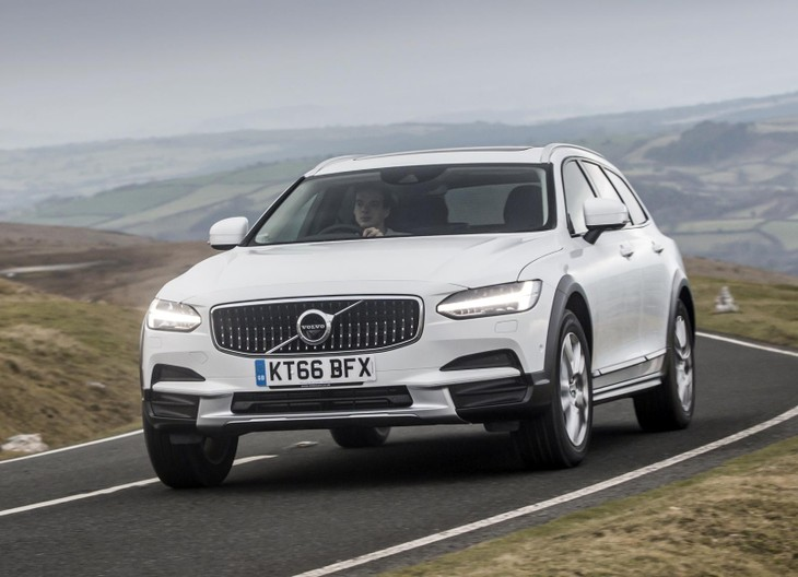 Volvo V90 Cross Country 48