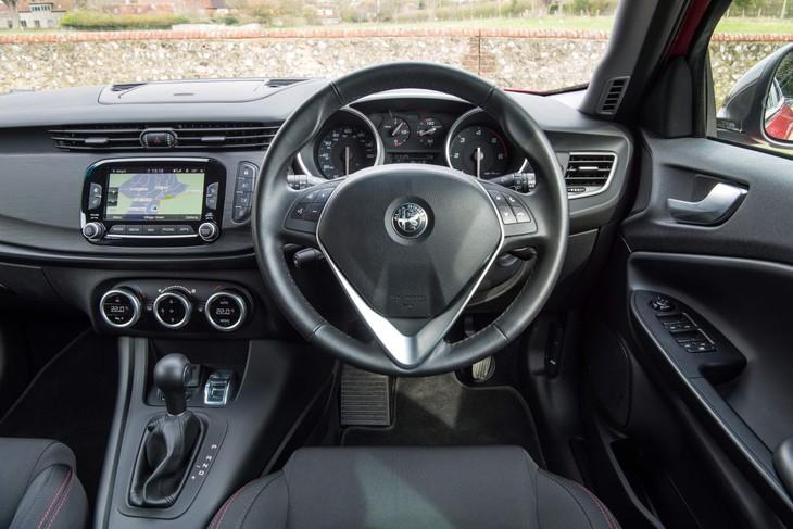 Alfa Romeo Giulietta 1750TBi Veloce (2017) Quick Review - Cars.co.za