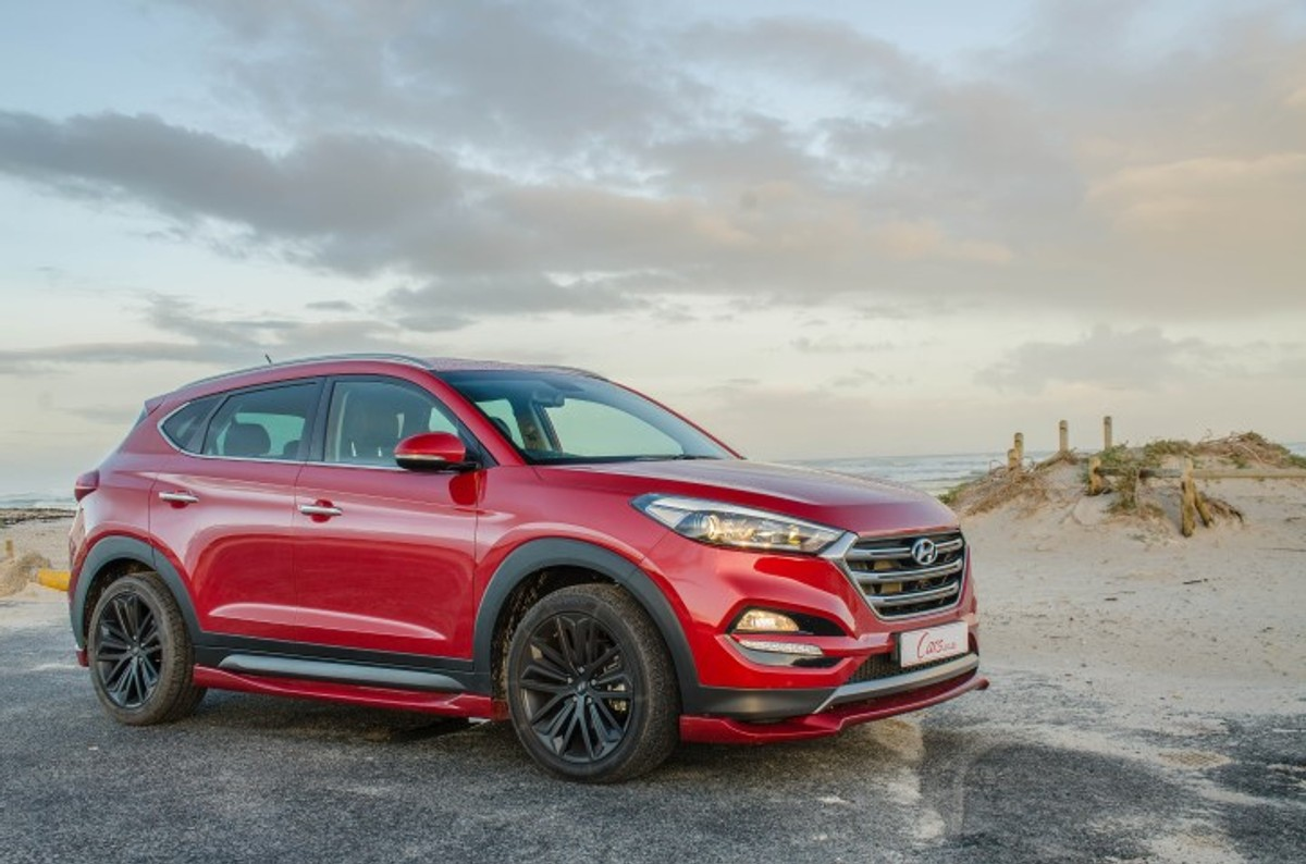 Hyundai tucson sport 2017 quick review cars hyundai recently introduced a sportier version of its top selling tucson family car in south africa its called the tucson sport and we tested it to find fandeluxe Images
