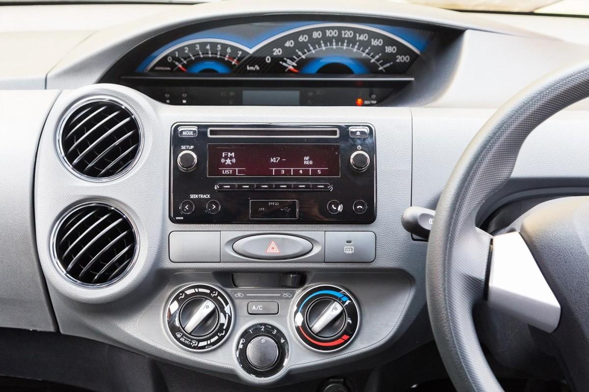 Toyota Etios 1 5 Sprint (2017) Quick Review - Cars co za