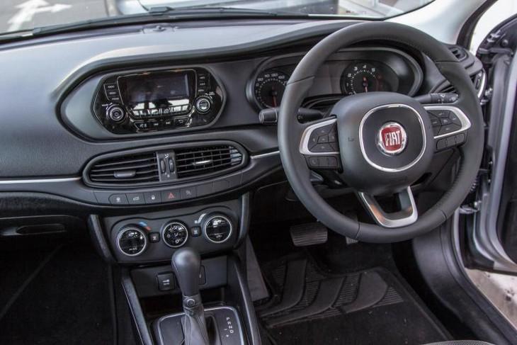 Fiat Tipo Sedan 1 6 Easy Auto 2017 Review Cars Co Za