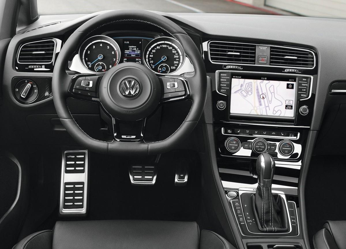 key differences volkswagen golf r 2017 7 0 7 5 cars. Black Bedroom Furniture Sets. Home Design Ideas