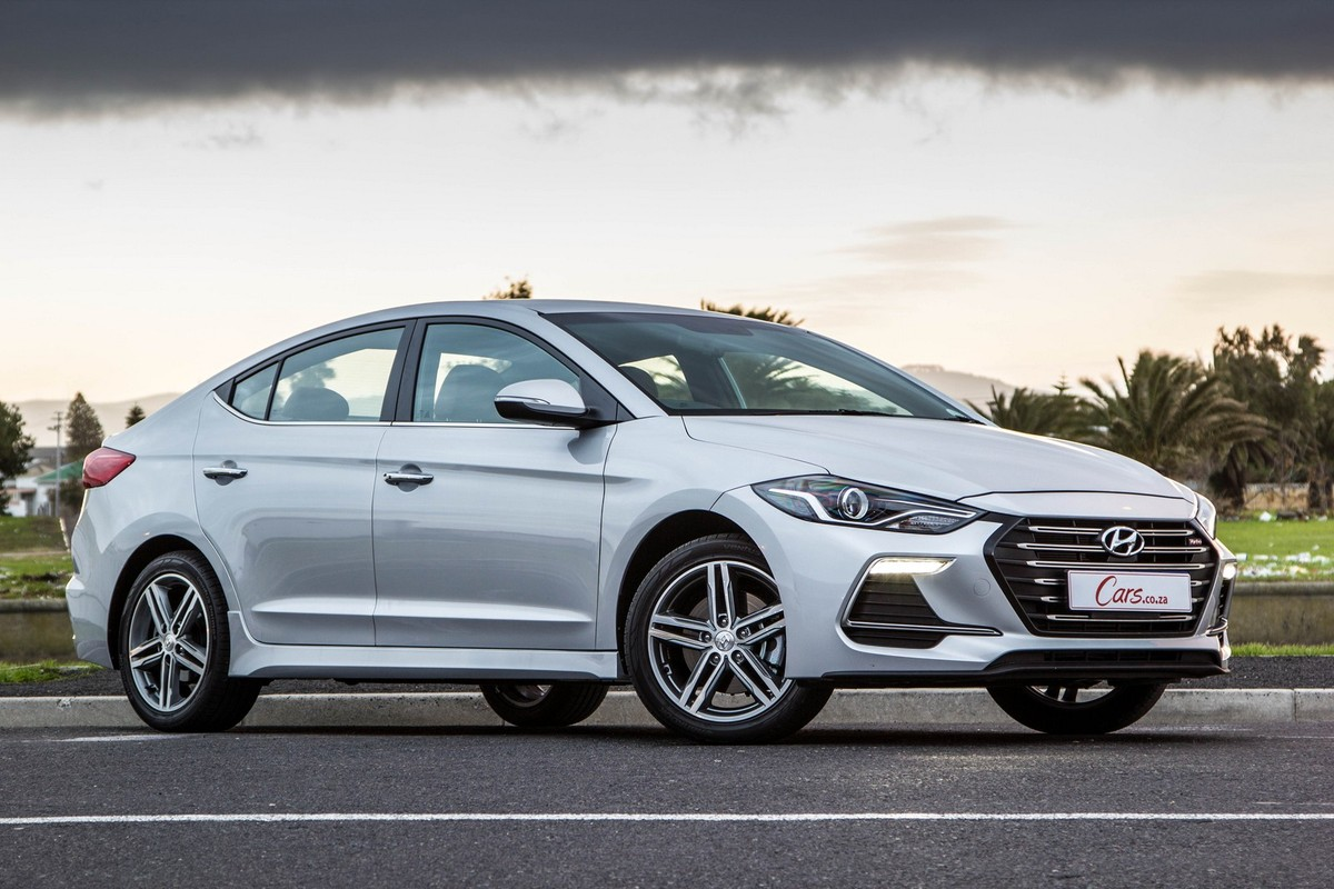 Hyundai Elantra 1 6 Turbo Elite Sport (2017) Quick Review - Cars co za
