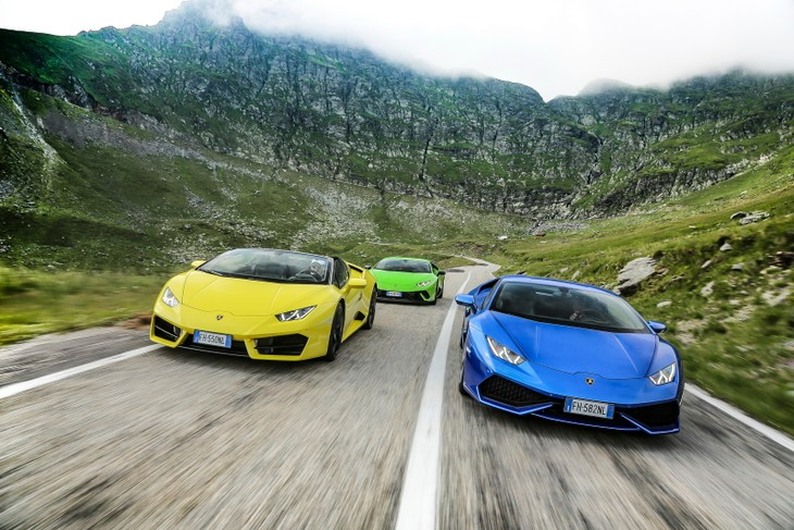 Lamborghini Huracan Tackles Perfect Road Video Cars Co Za