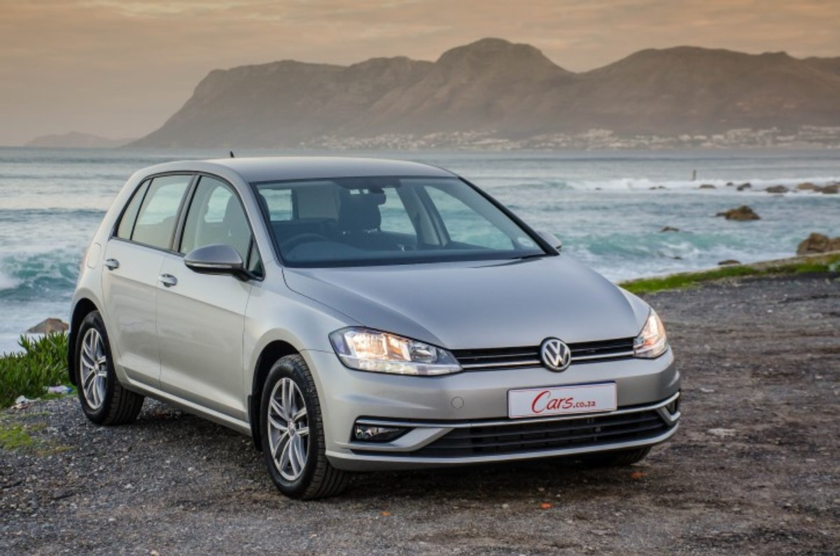 The facelifted Volkswagen Golf (known as the 7.5) is now offered with a  1.0-litre 3-cylinder turbopetrol engine. How does this small-capacity  engine perform ...