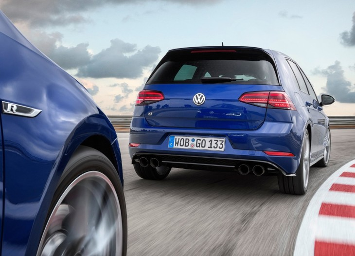 Vw Golf Gti Performance 2017 >> Volkswagen Golf GTD & R (2017) Specs & Price - Cars.co.za