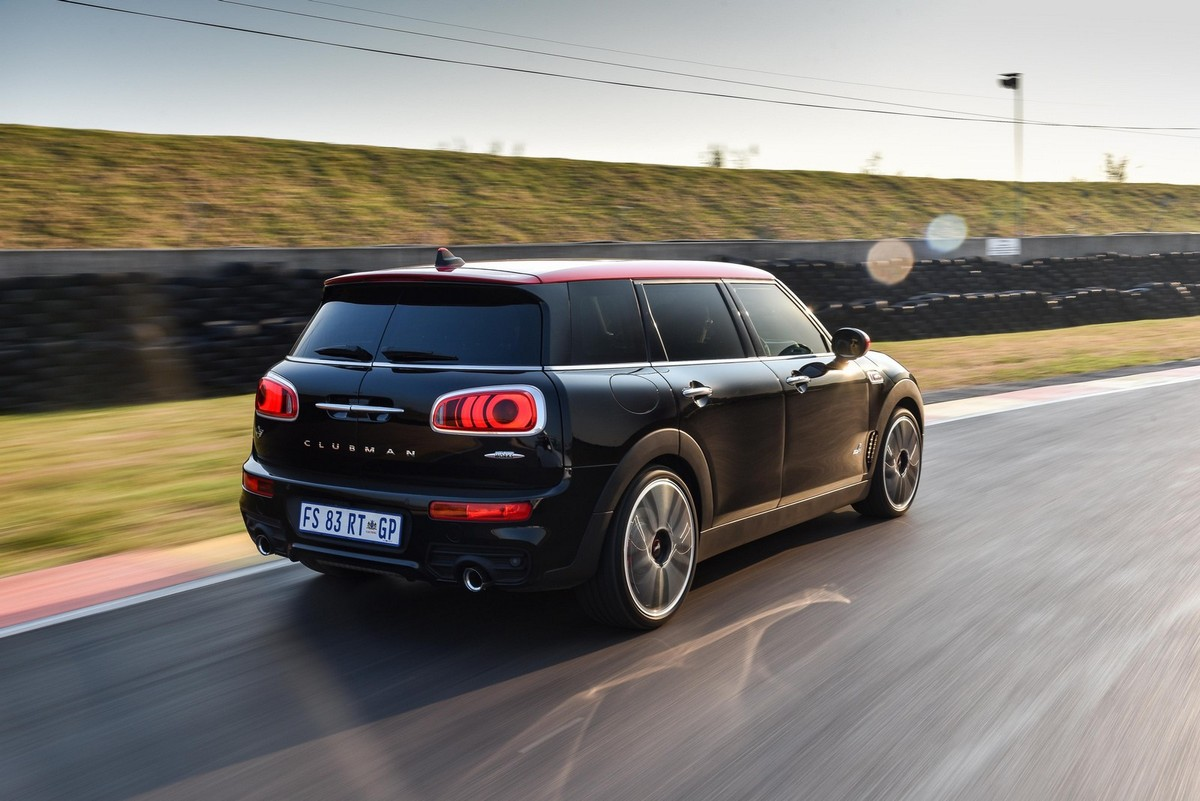 mini jcw countryman clubman 2017 launch review cars. Black Bedroom Furniture Sets. Home Design Ideas