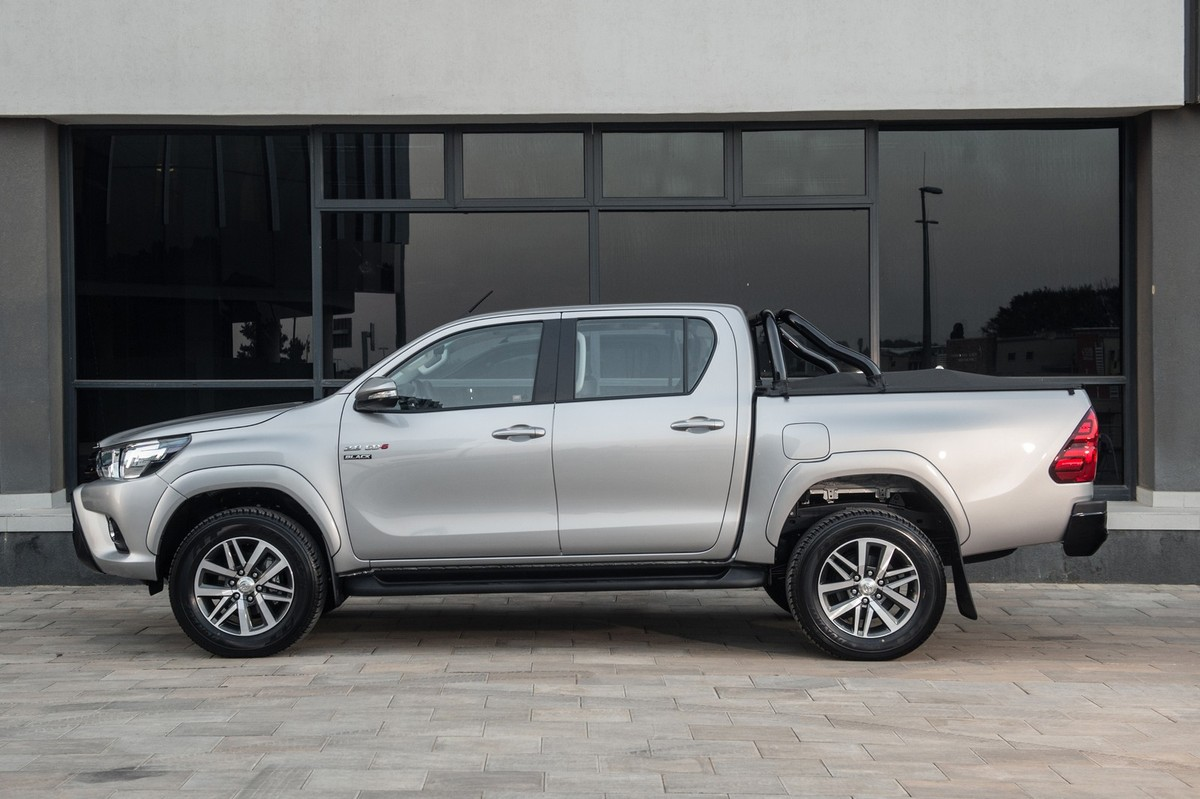 Toyota Hilux Raider Black Limited Edition 2017 Specs Price