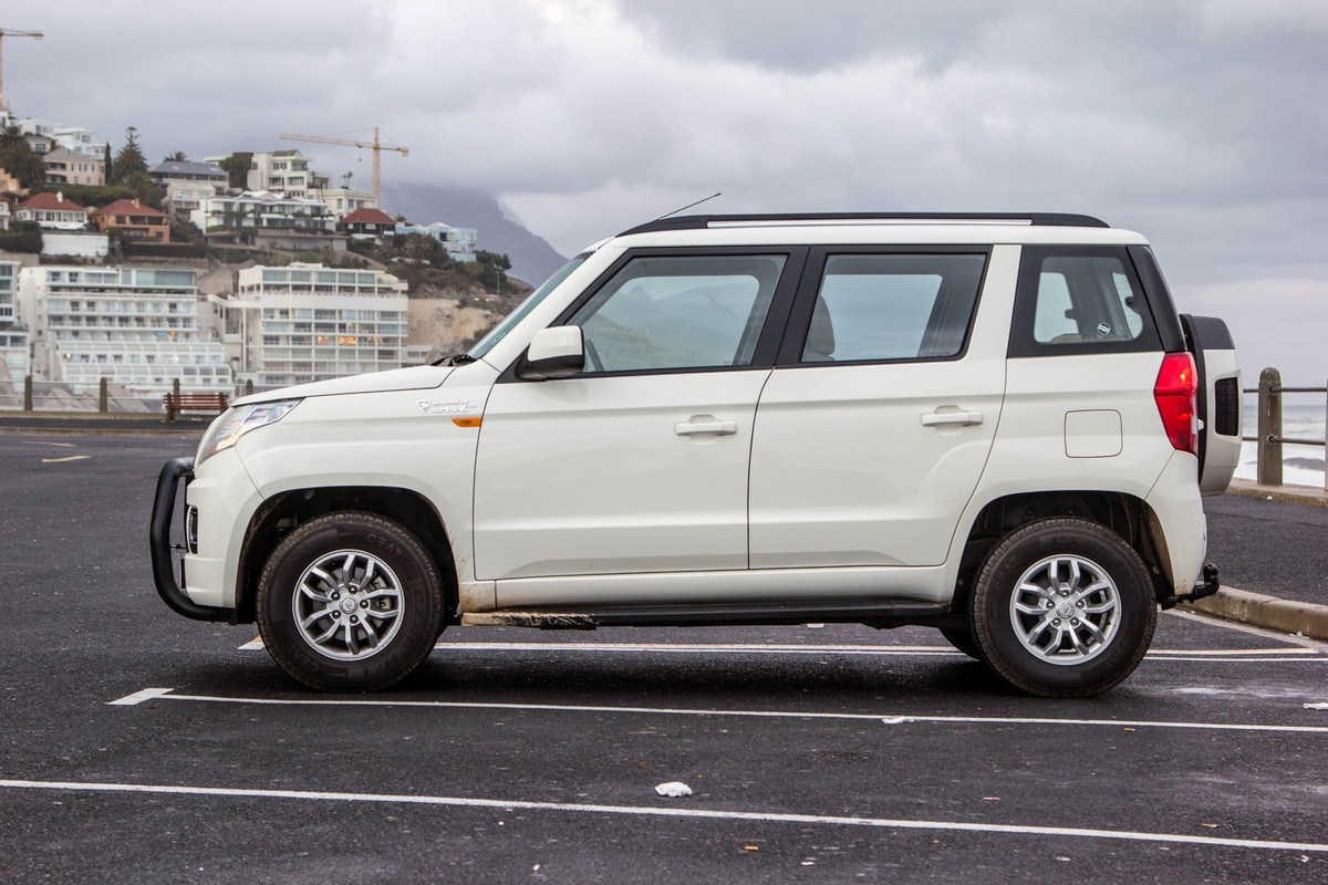7ceb67db5 Mahindra TUV300 1.5CRDe T8 (2017) Quick Review - Cars.co.za