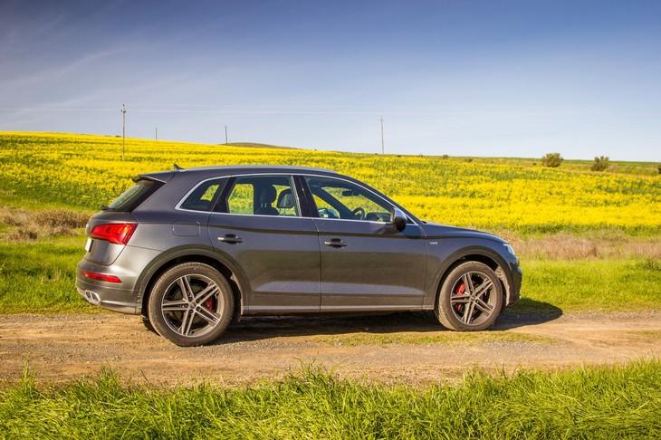 Audi SQ Quattro Review Carscoza - Audi sq5 review