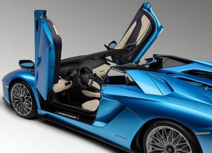 Lamborghini Drops Top On Aventador S Cars Co Za