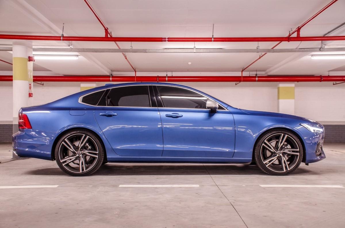 Volvo S90 T6 R Design 2017 Quick Review Cars Co Za