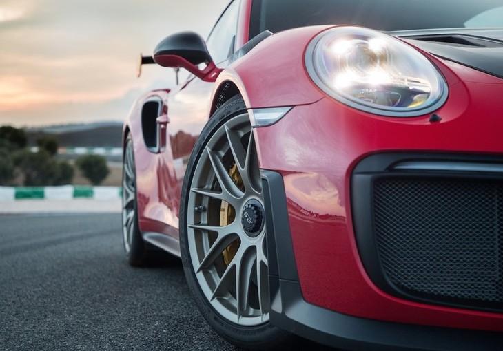 Porsche 911GT2RS2