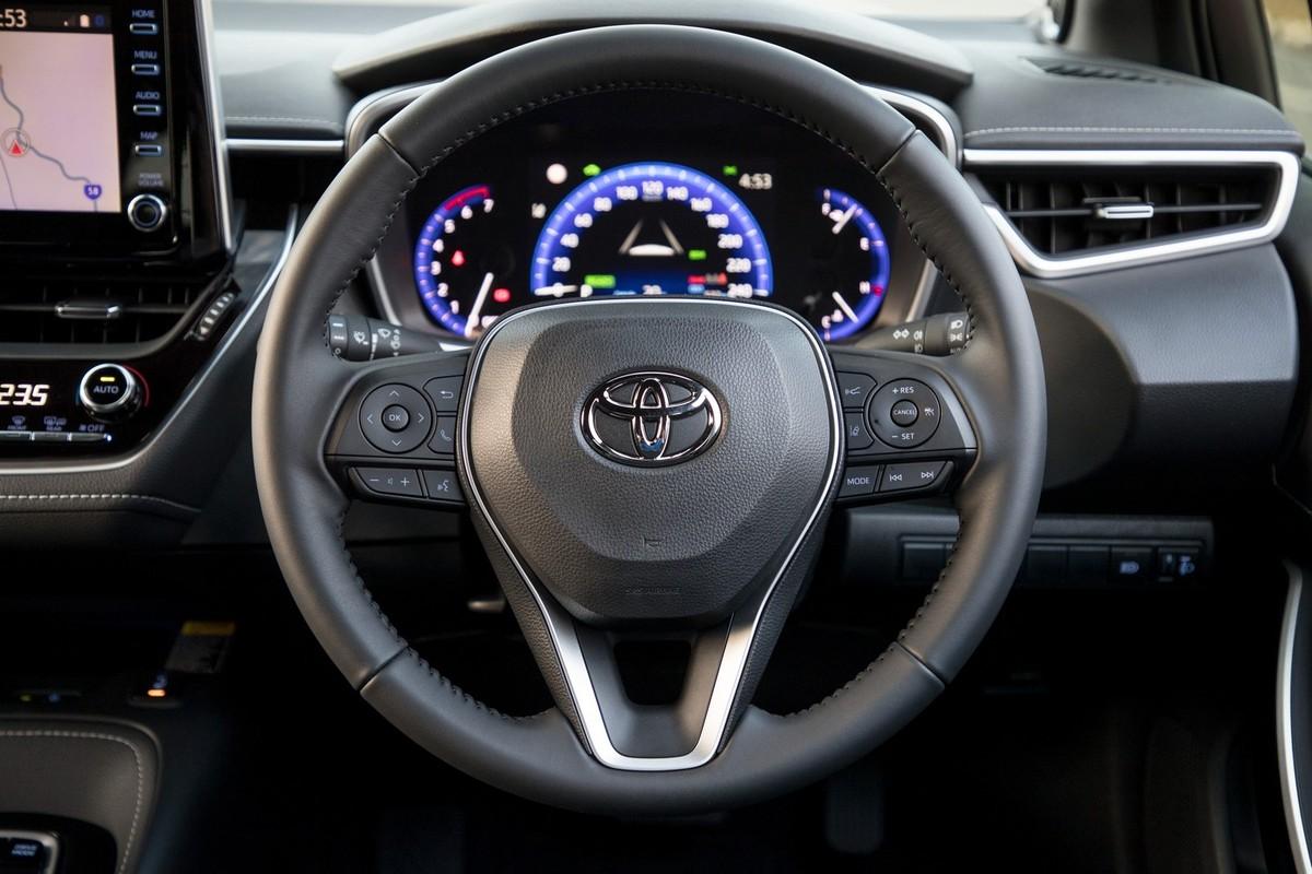 Toyota Corolla Hatchback (2019) International Launch ...