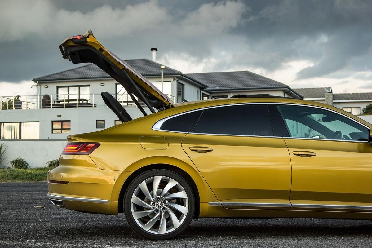 Volkswagen Arteon 2 0 Tdi R Line 2018 Quick Review