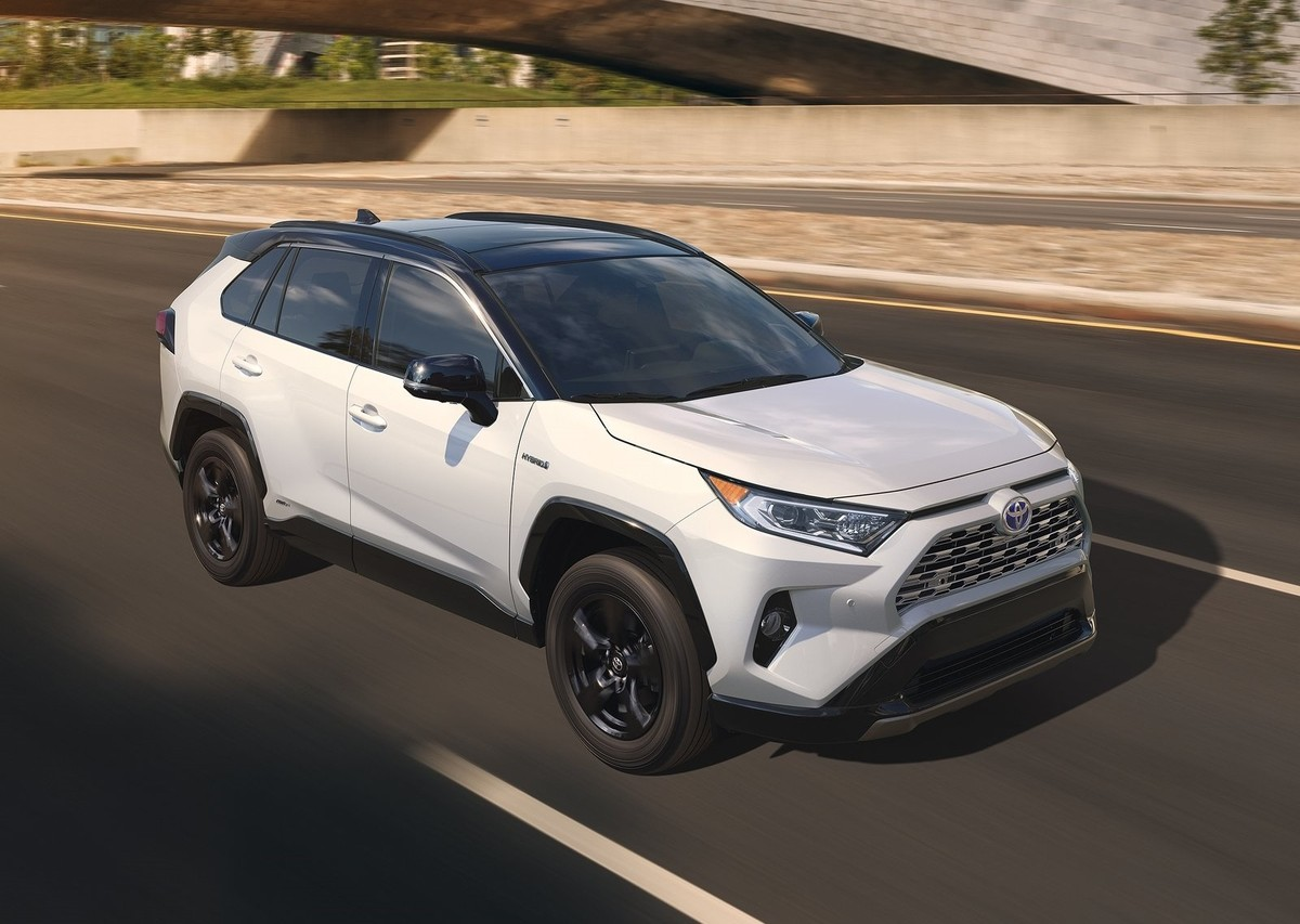 new toyota rav4 5 things to look forward to. Black Bedroom Furniture Sets. Home Design Ideas