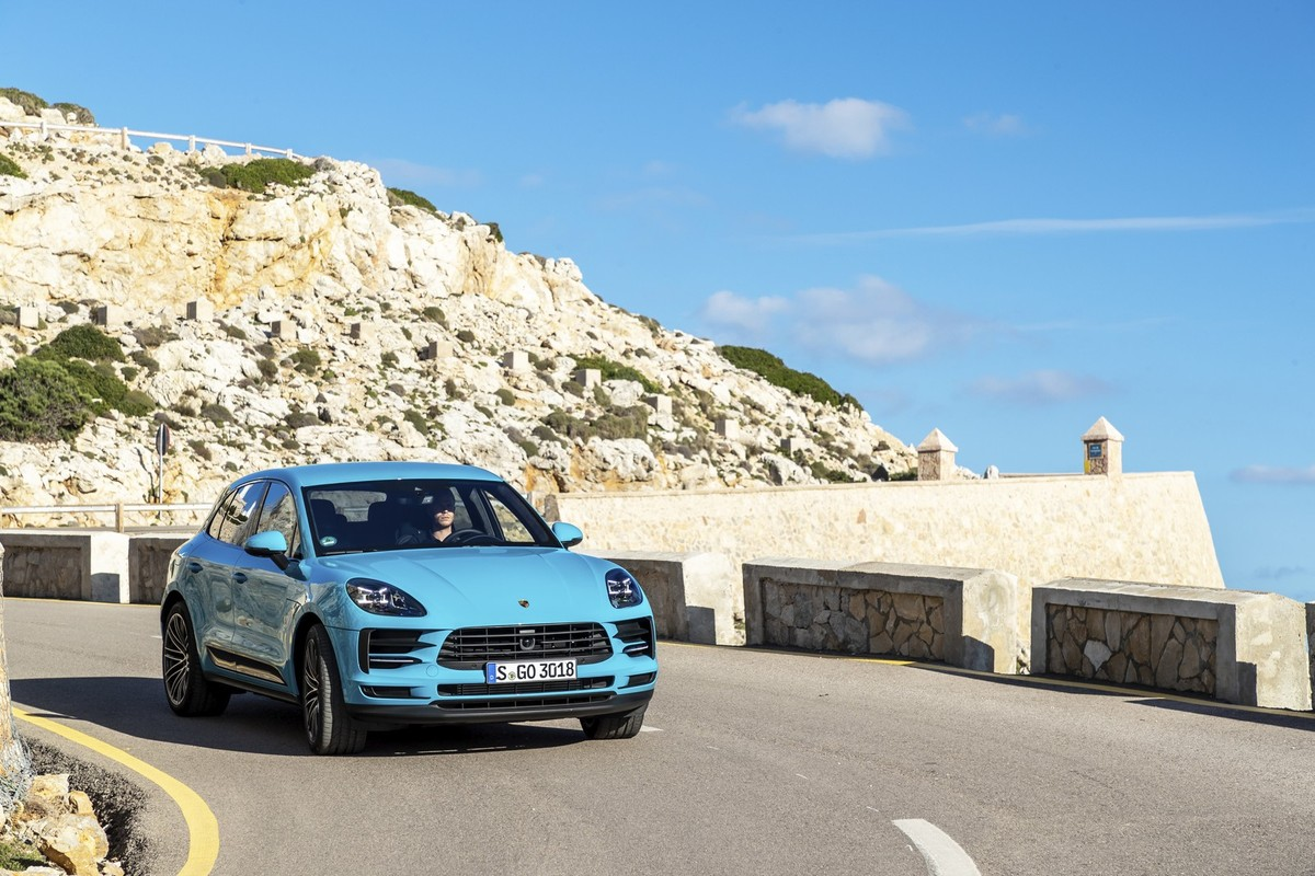 Range Rover Dealers In Ma >> Porsche Macan (2019) International Launch Review - Cars.co.za