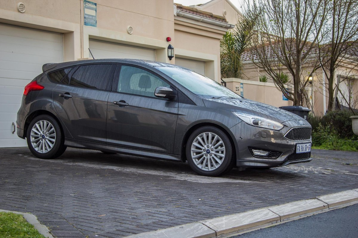 FOCUS 2015 FORD OWNERS MANUAL OWNER/'S BOOK