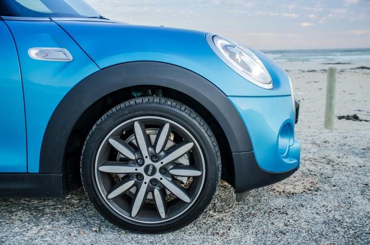 Mini Cooper S Convertible Automatic 2018 Quick Review Carscoza