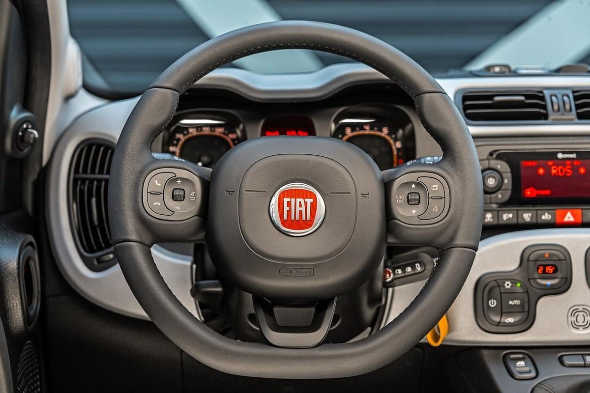 Fiat Panda 0 9 TwinAir 4x4 Cross (2018) Quick Review - Cars