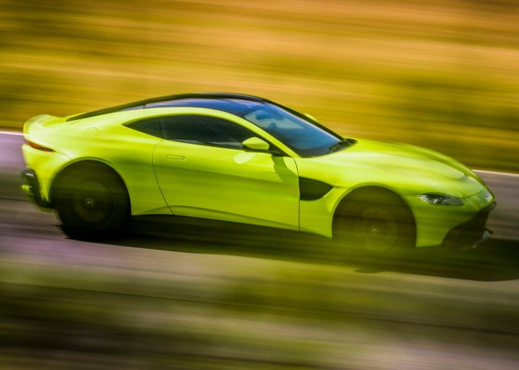 Aston Martin Vantage Launch Review Carscoza - 2018 aston martin vantage