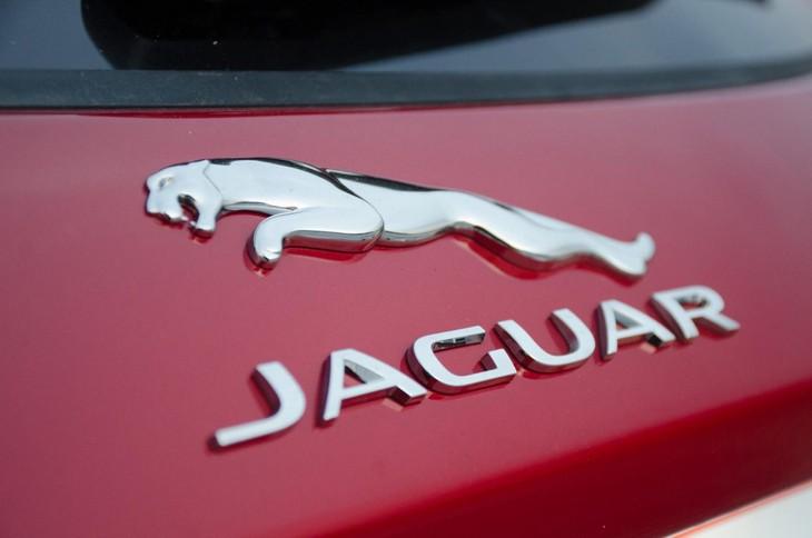 Jaguar E-Pace D240 R-Dynamic HSE (2018) Review - Cars co za