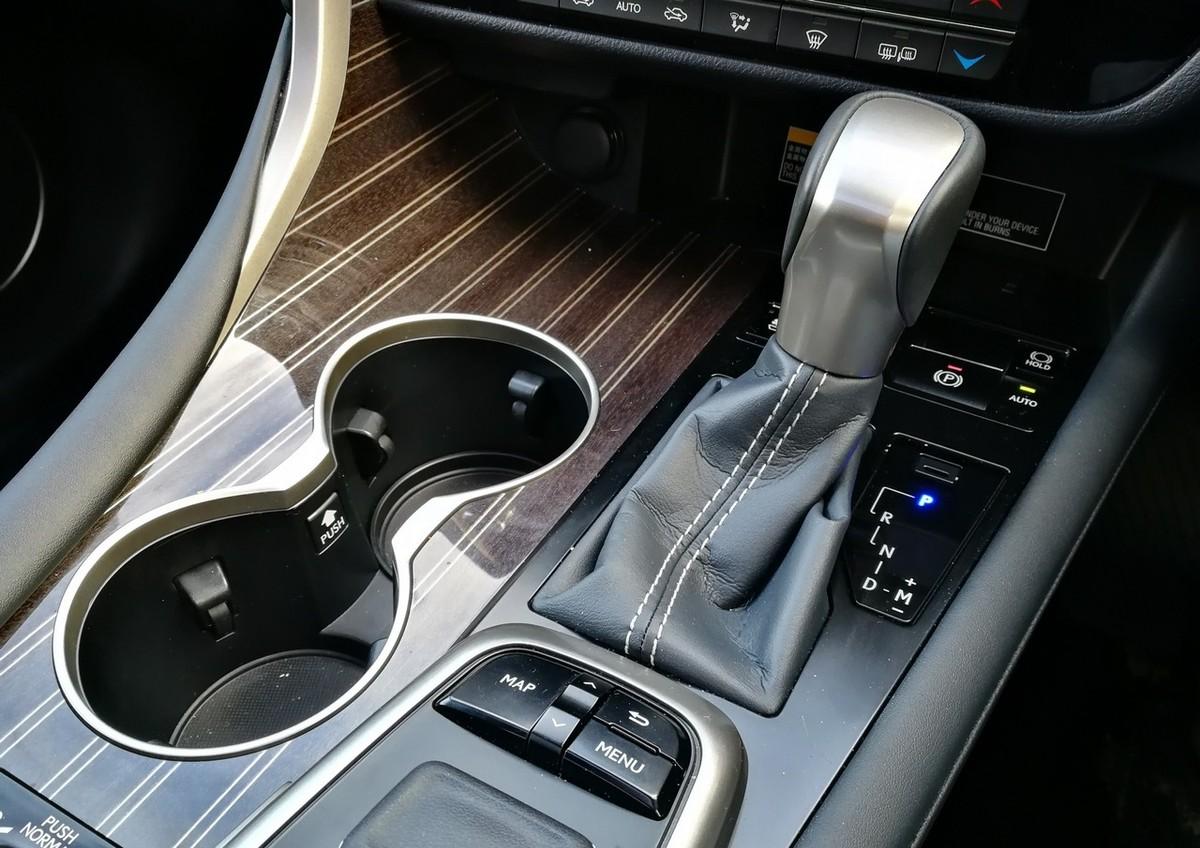 Lexus RX 350L EX (2018) Quick Review - Cars co za