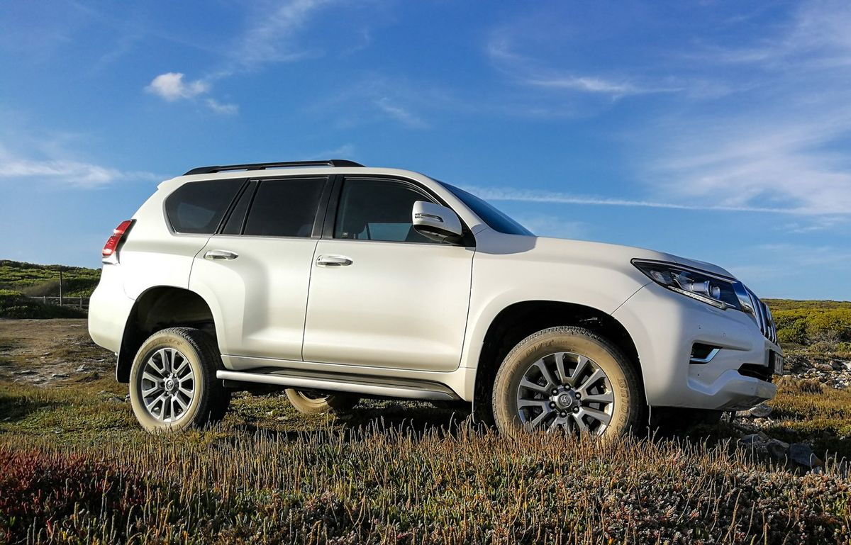 Toyota Land Cruiser Prado 3 0D VX-L (2018) Quick Review - Cars co za