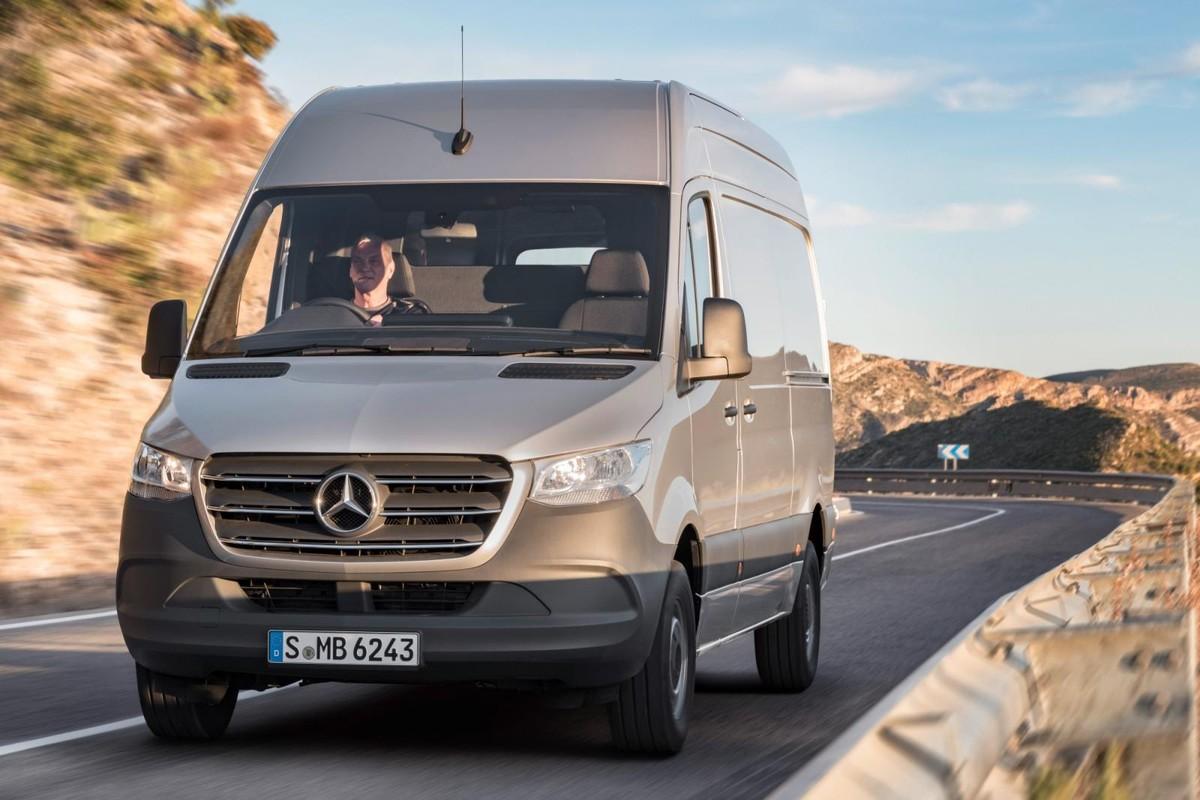 mercedes benz sprinter 2018 international launch review. Black Bedroom Furniture Sets. Home Design Ideas
