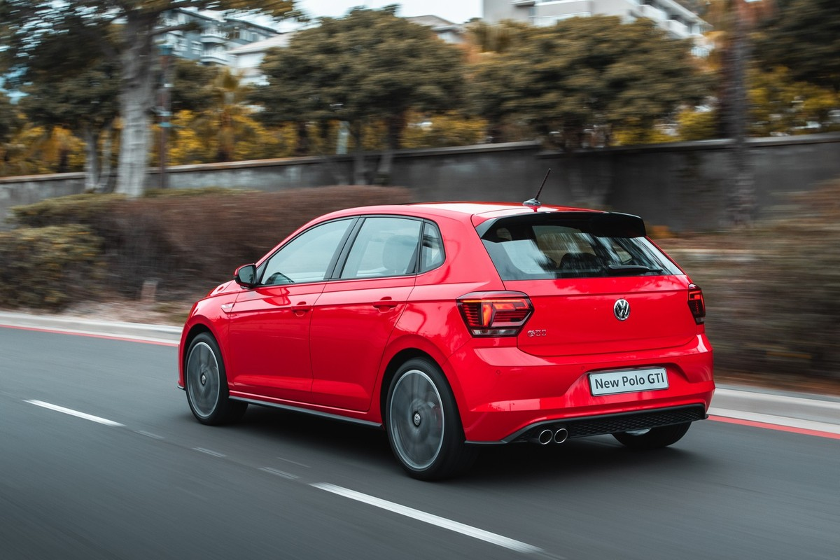 volkswagen polo gti 2018 launch review w video cars. Black Bedroom Furniture Sets. Home Design Ideas