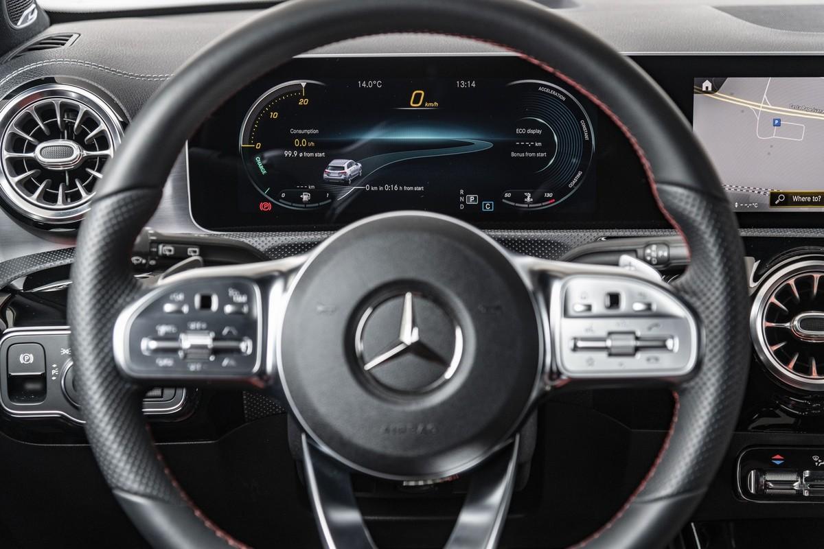 Mercedes-Benz A-Class (2018) Specs & Price - Cars co za