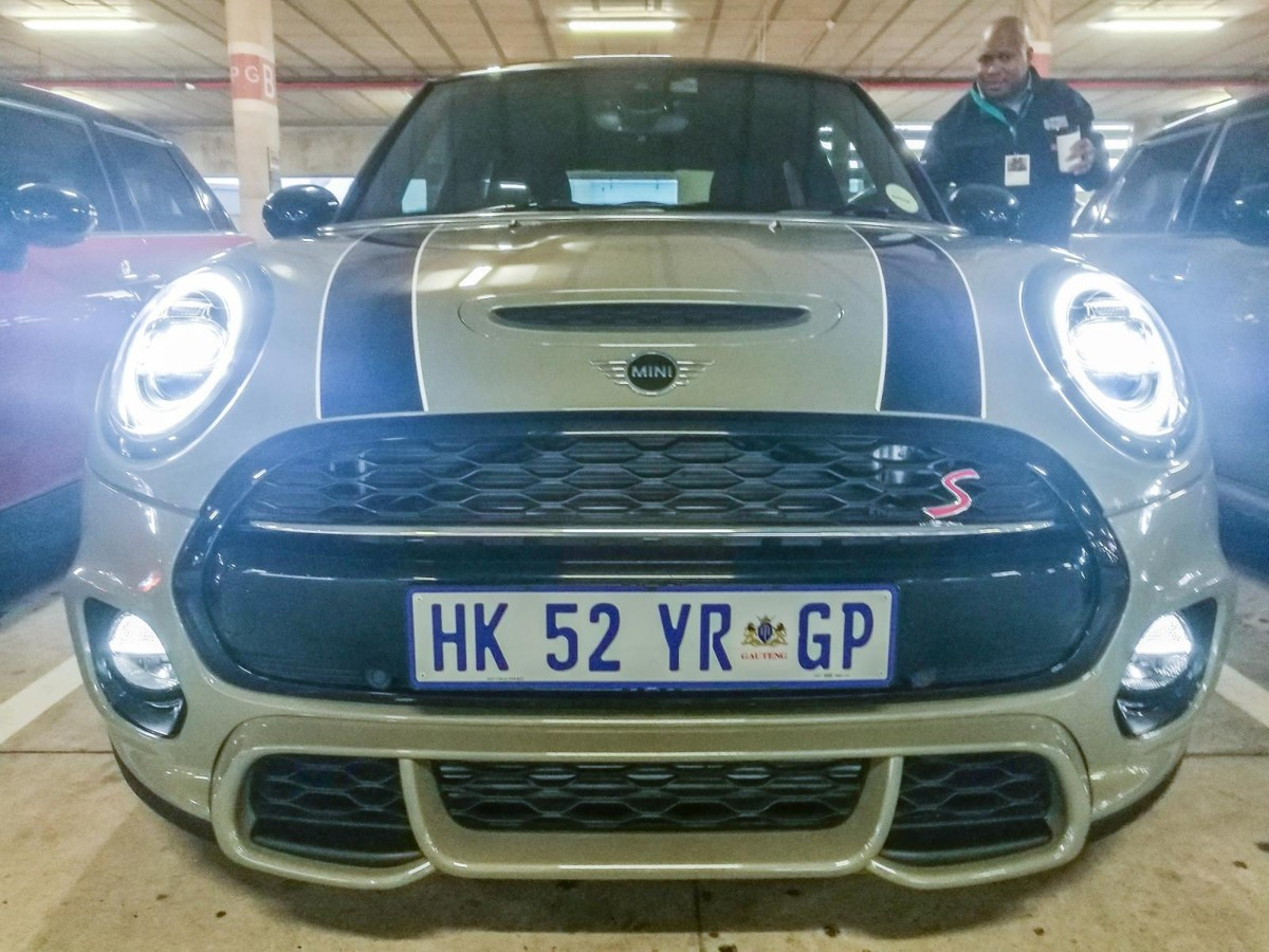 Updated Mini Cooper (2018) Launch Review - Cars co za