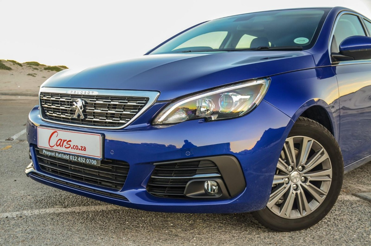 Peugeot 308 1.2T Allure Auto (2018) Quick Review - Cars.co.za