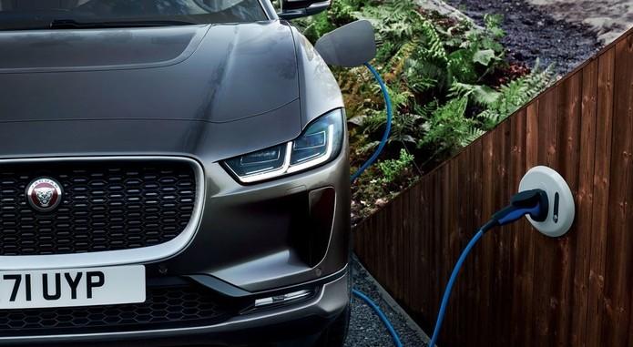 Jaguar I Pace1