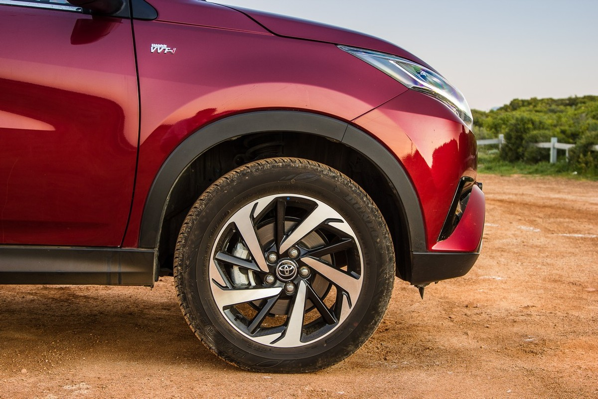 Toyota Rush 1 5 S (2018) Review [w/Video] - Cars co za