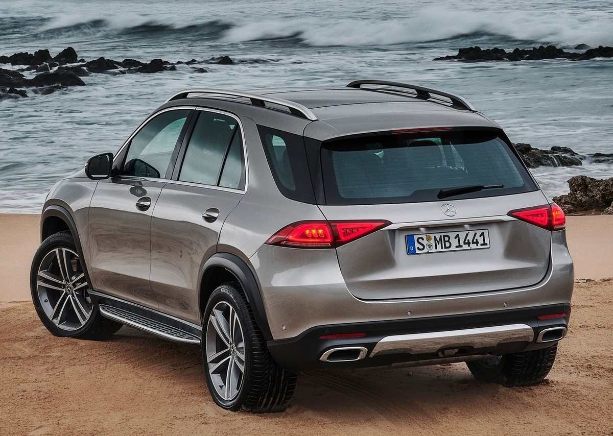 2019 mercedes benz gle and 2019 bmw x5 what can we expect from these suvs. Black Bedroom Furniture Sets. Home Design Ideas