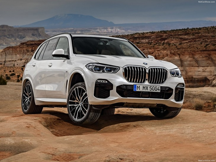 2019 Mercedes-Benz GLE and 2019 BMW X5: What can we expect