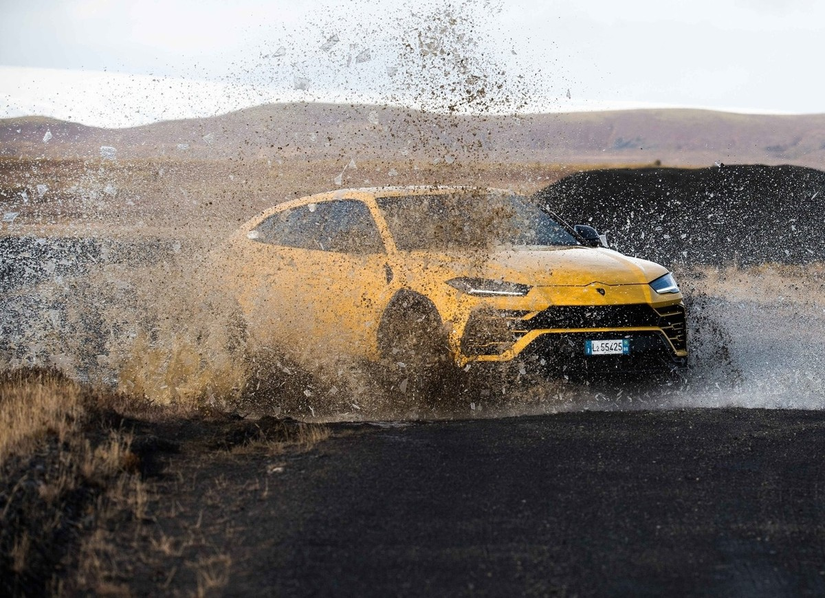 Lamborghini Releases Off Road Pack For Urus Cars Co Za
