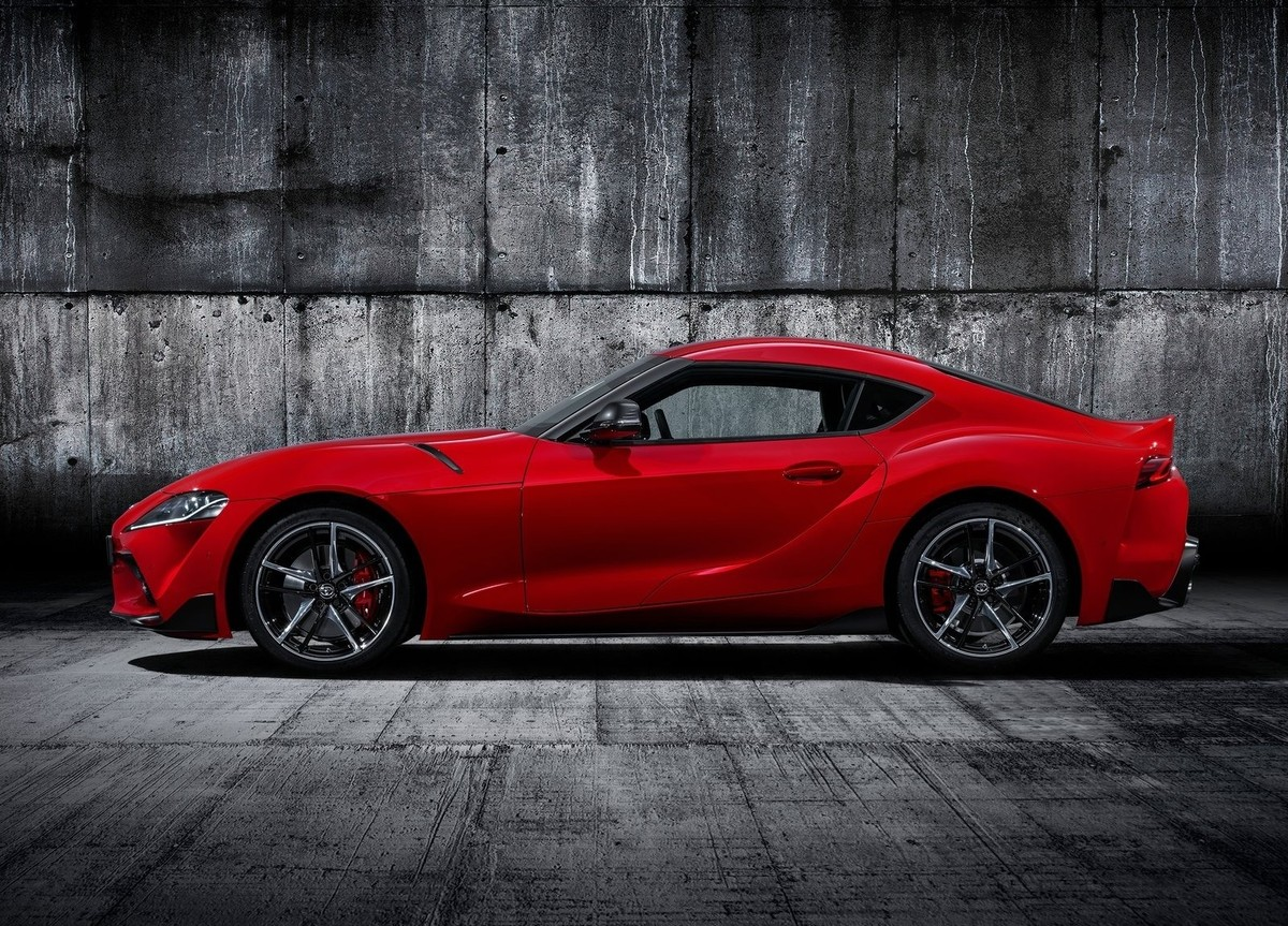 Toyota Supra Vs Bmw Z4 How Different Are They Cars Co Za