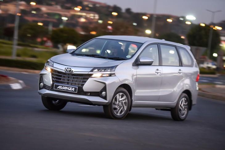 Toyota Avanza 6