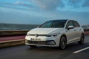 Volkswagen Golf 8 (2020) International Launch Review
