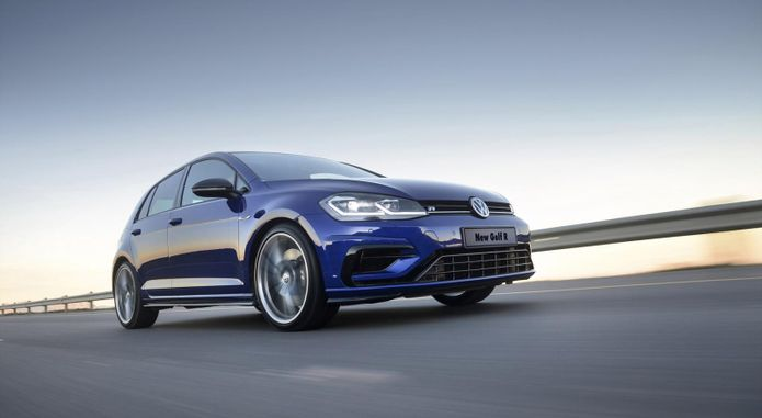 Volkswagen Golf R  Dynamic 001 1800x1800