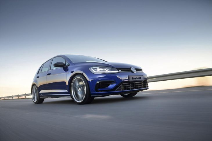 Volkswagen Golf R  Dynamic 001 1800x1800
