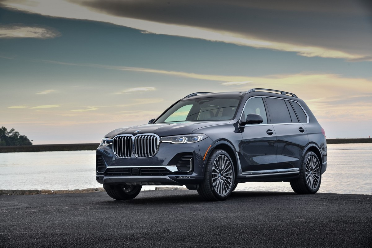 BMW X7 (2019) International Launch Review - Cars.co.za