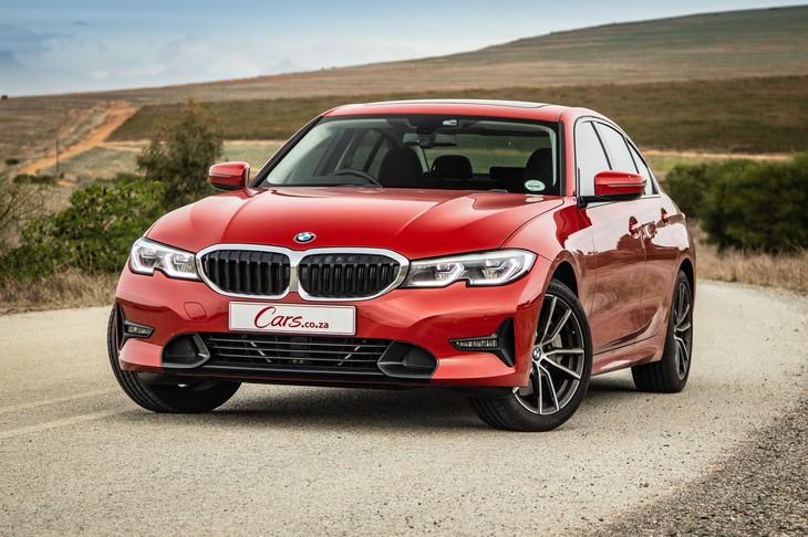 BMW 330i Sport Line (2019) Review - Cars co za